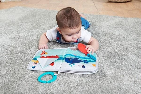 tiny-love-beebi-pehme-raamat